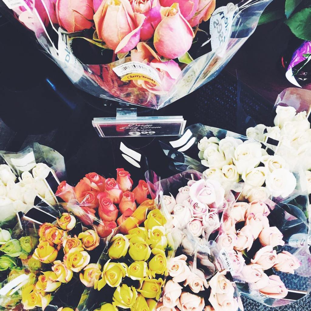 Pretty blooms to brighten up your Monday simplyleopard flowersnbspRead more