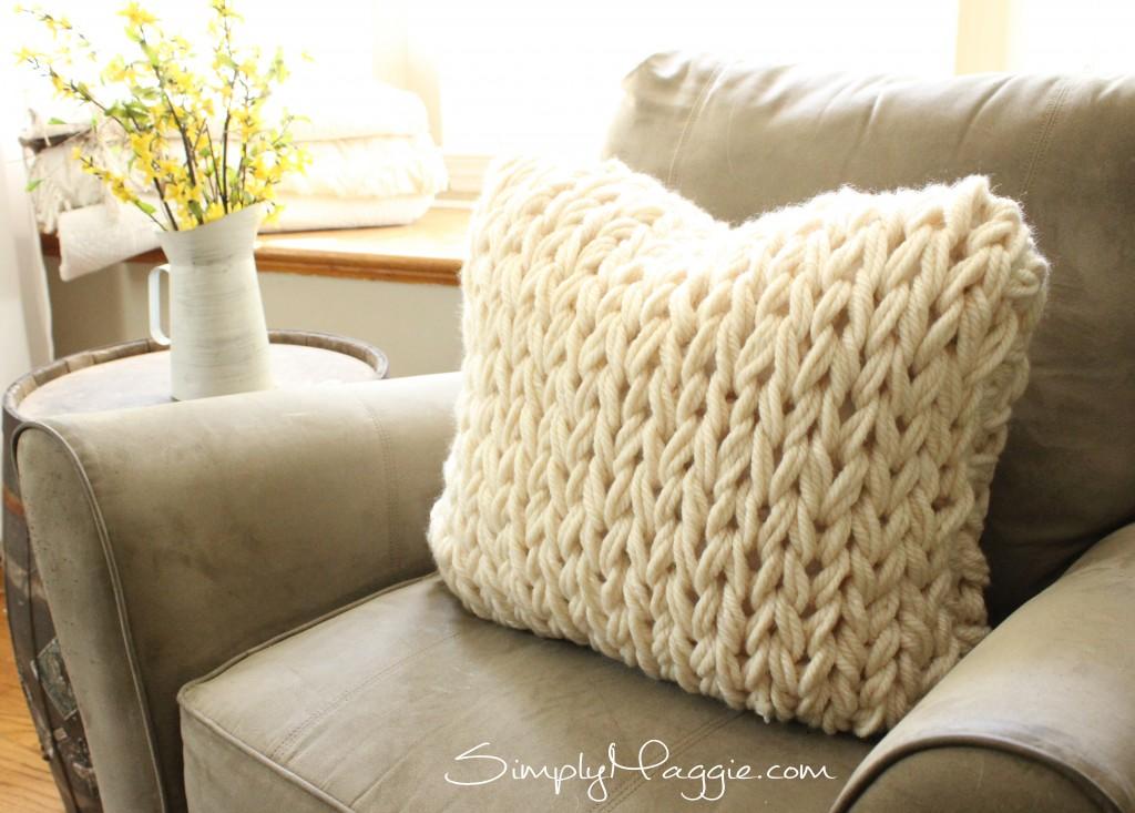 Big Stitch Knit Pillow Pattern  SimplyMaggiecom