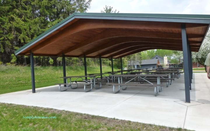 Picnic Area at the Discovery Center - Oakdale, Minnesota