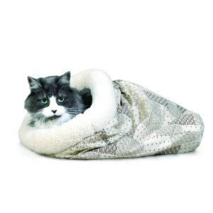 Buy the crinkle sack cat bed for your cats. Recommended by simplypets.com for 2018