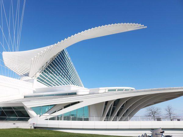 Afternoon Milwaukee Art Museum - Simply Sinova