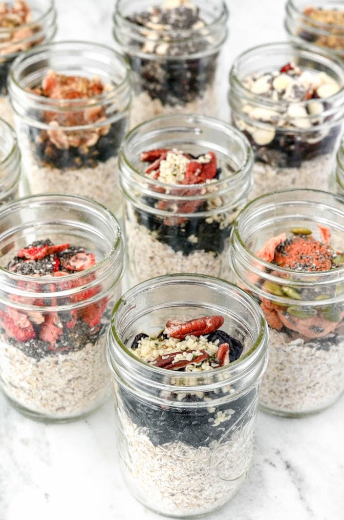 One jar, 5-minute Instant Oatmeal Jars are the perfect grab n' go breakfast for hectic mornings. Simple, nutrient packed, customizable and kid friendly.