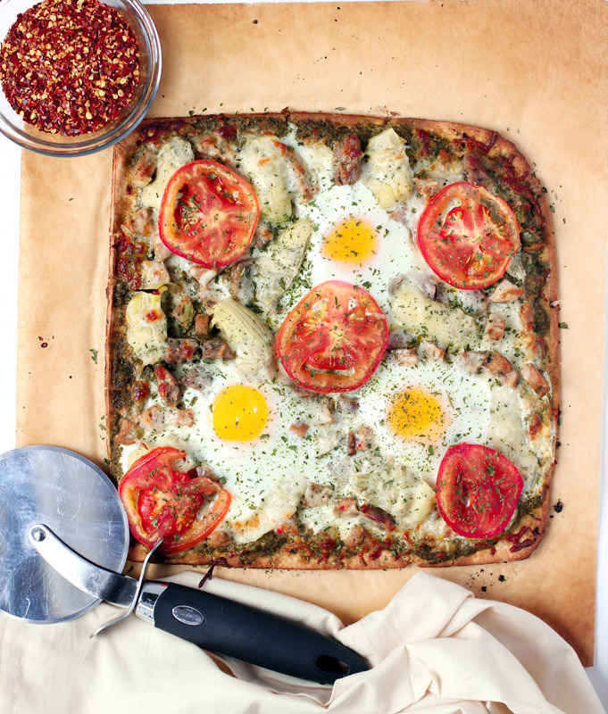 Sausage Egg and Pesto Pizza - Table ready in 20 minute!