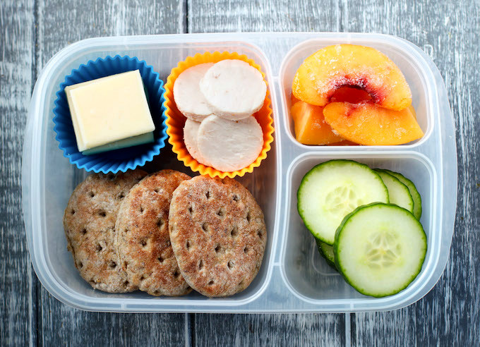 Homemade Turkey and Cheese Lunchable