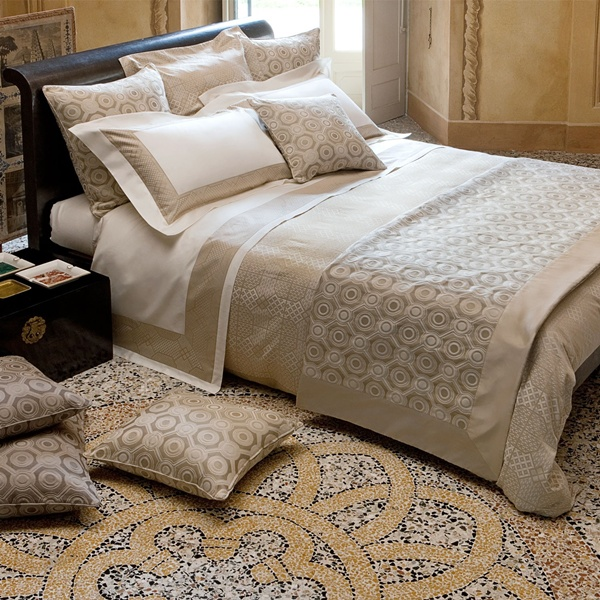 Seventies Beige Bedding