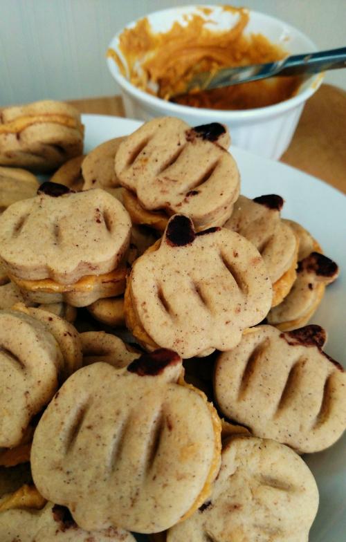 Pumpkin Spice Sandwich Cookies