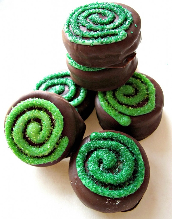 St Patricks Day Chocolate Covered Oreos