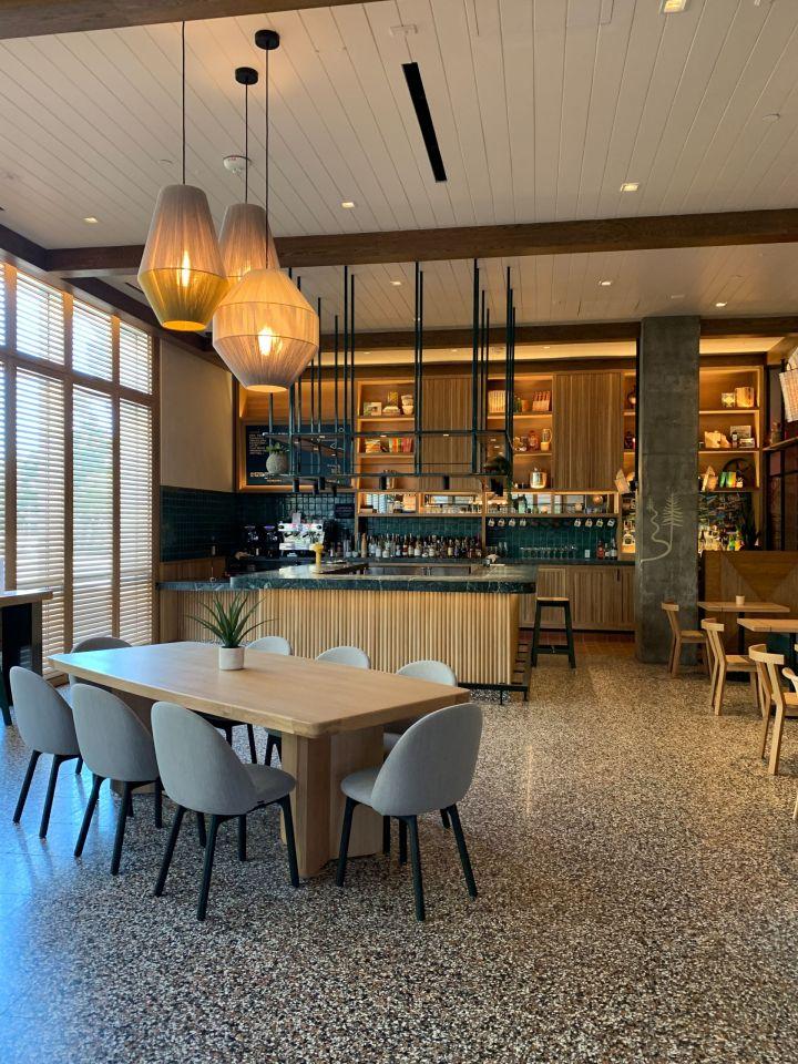 hotel june bar