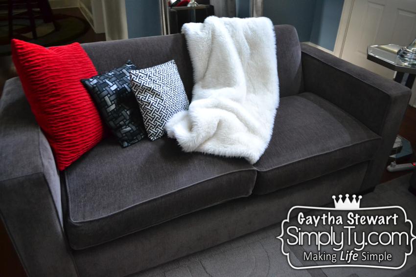 Sinking sofa011
