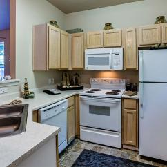Summit Kitchens Tile Backsplash For Kitchen Apartment Features Rentals In West Linn Or Cascade Lake Oswego Apartments Rent