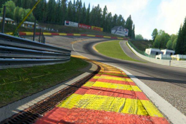 Clases de conducción deportiva Assetto corsa PS4