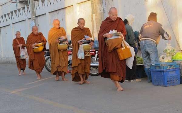 Chiang Mai – Nachtfahrt, Localmarket und Mönche