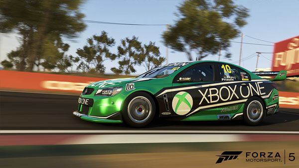 2013-Holden-#10-Xbox-Racing-Team-Commodore-VF