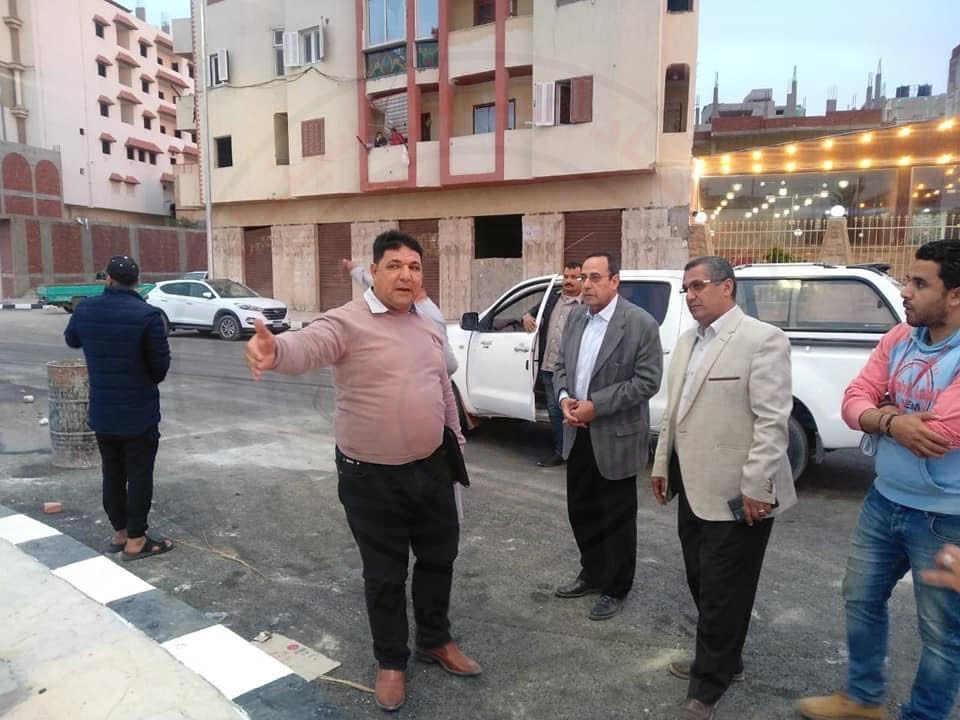 محافظ شمال سيناء يتفقد أعمال تطوير ميادين العريش