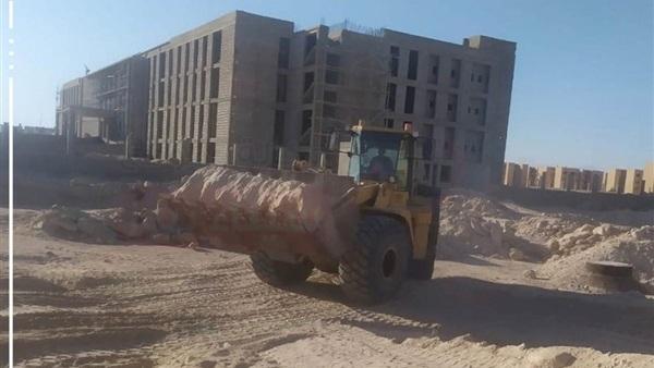 نائب محافظ جنوب سيناء تتابع مشروع سوق بدر الحضاري بالطور