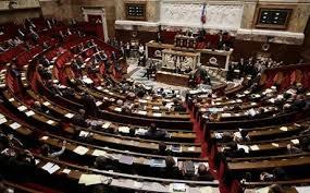 البرلمان الفرنسي يوافق على تطبيق قواعد أكثر صرامة لمواجهة فيروس كورونا