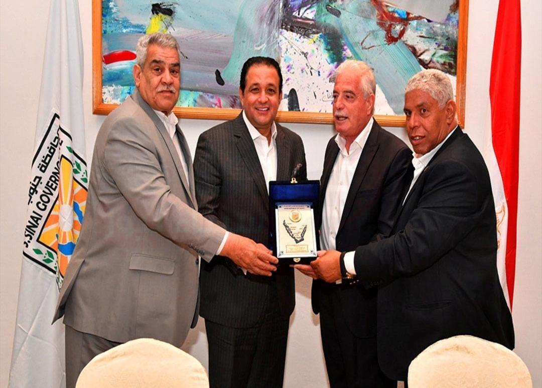 صور.. محافظ جنوب سيناء يلتقي وفد لجنة النقل والمواصلات في مجلس النواب