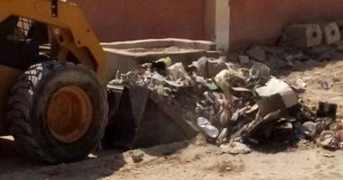 تنفيذ حملة نظافة للتخلص من المخلفات فى مدينة الحسنة بوسط سيناء
