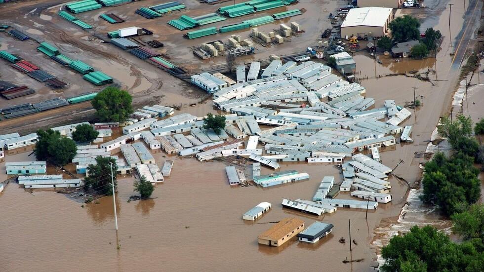 مقتل شخص وفقدان إثنين آخرين في فيضانات كولورادو بالولايات المتحدة