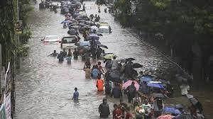 مصرع أكثر من 70 شخصا جراء هطول أمطار موسمية غزيرة غربي الهند
