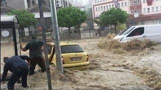 فيديو.. فيضانات مخيفة تكبد تركيا خسائر جسيمة