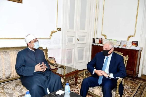 وزير الأوقاف ومحافظ جنوب سيناء يبحثان الأعمال المشتركة بمحافظة جنوب سيناء