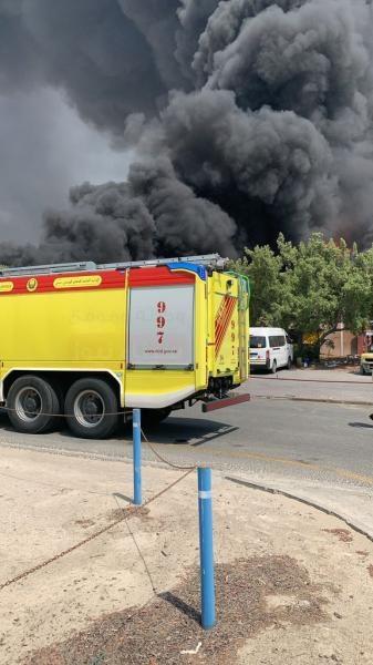 الدفاع المدني الإماراتي: نتعامل حاليا مع حريق في منطقة جبل علي دون تسجيل أي إصابات