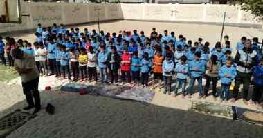 مدرسة ابتدائية بشمال سيناء تعظم سلوكيات تلاميذها بأداء صلاة الظهر فى جماعة