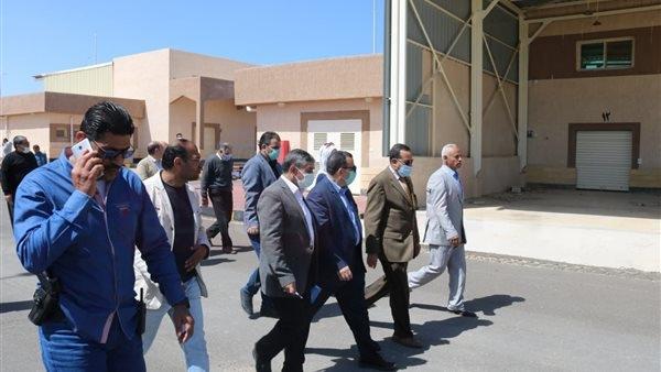 محافظ شمال سيناء يستعرض مخطط تطوير مدينة العريش