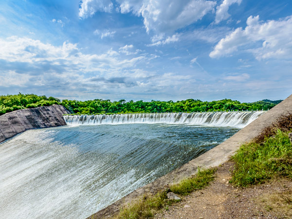 Dam Sanalona