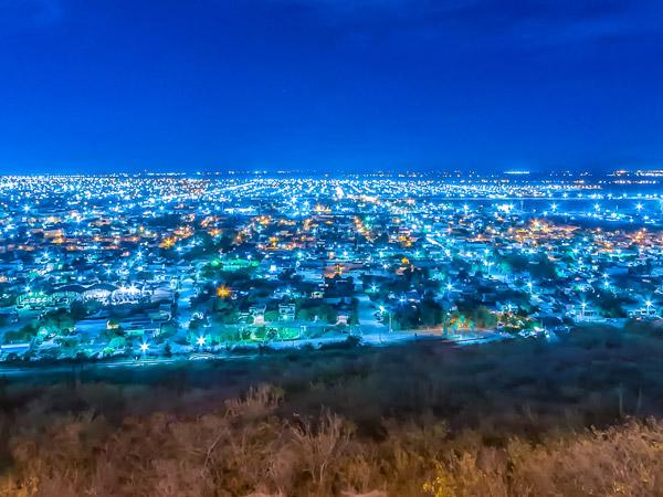 Vista panorámica de la ciudad de Los Mochis desde el m mirador del Cerro de la Memoria