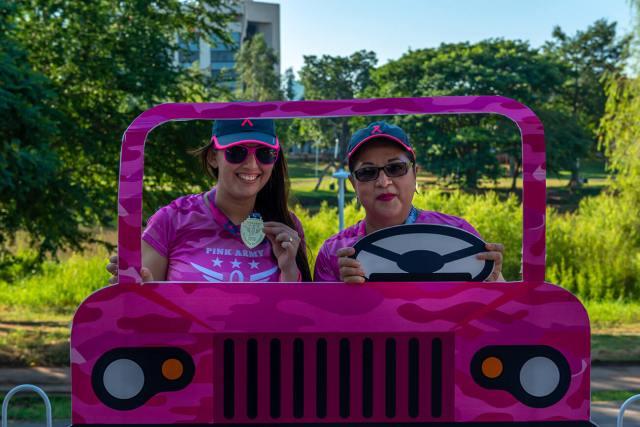 Carrera Pink Army