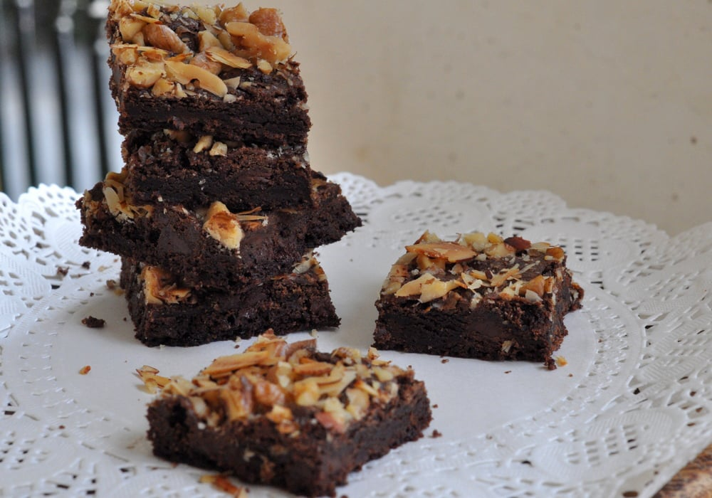mixed nut brownies