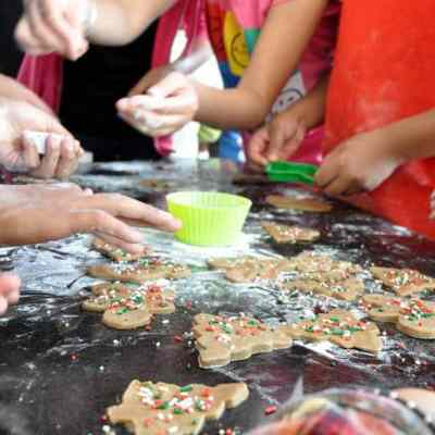 Five Ways to Involve Kids In the Kitchen This Xmas