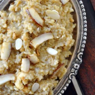 Sakkara Pongal : Sweetened Rice & Lentil Pudding