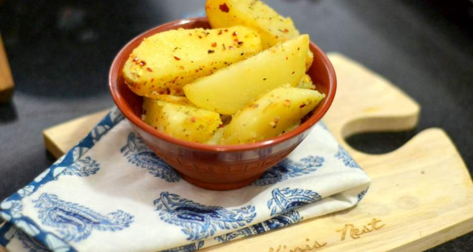 Tawa Potato Wedges by Preeti