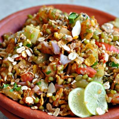 Sprouts and Muesli Chaat Recipe
