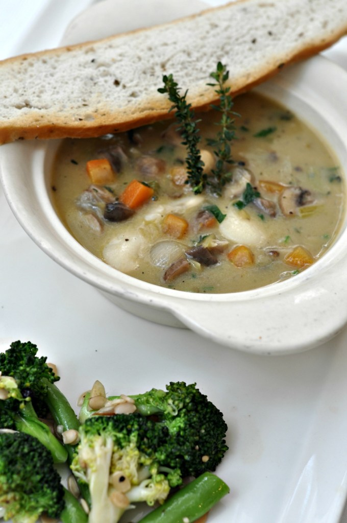 Slow Cooked White Bean Fricassae