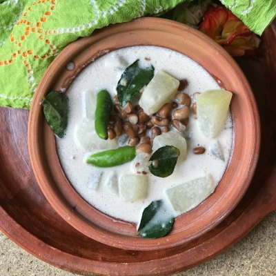 Onam Recipes: Olan | Ashgourd and Red Beans Stew