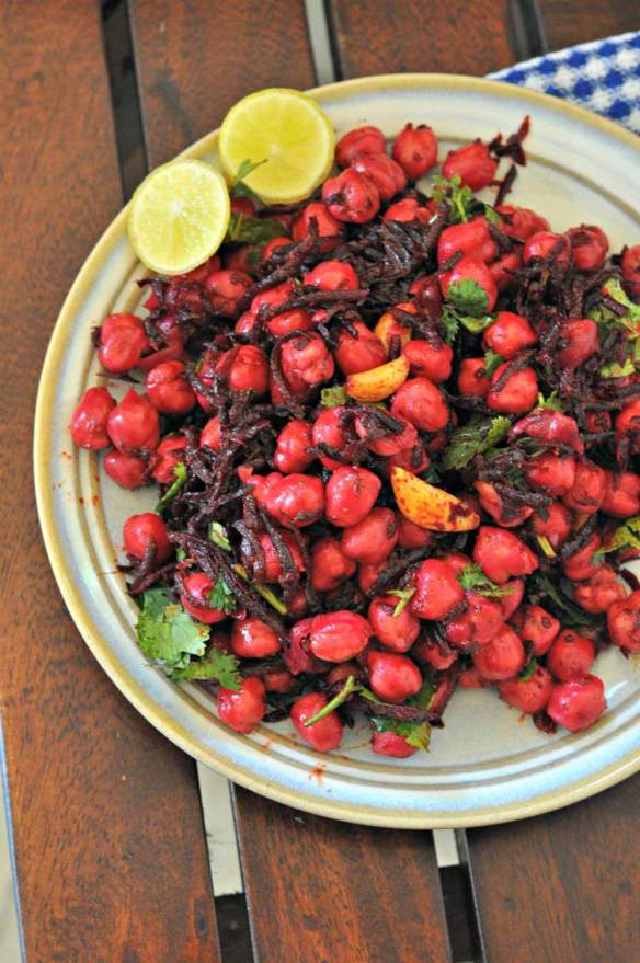 beetroot-chickpeas-salad-with-burnt-garlic.1024x1024