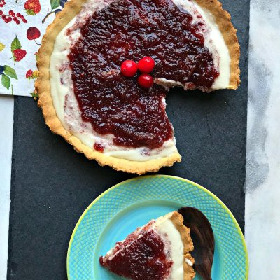 Boozy Cranberry Cheesecake Pie – Xmas is in the air!