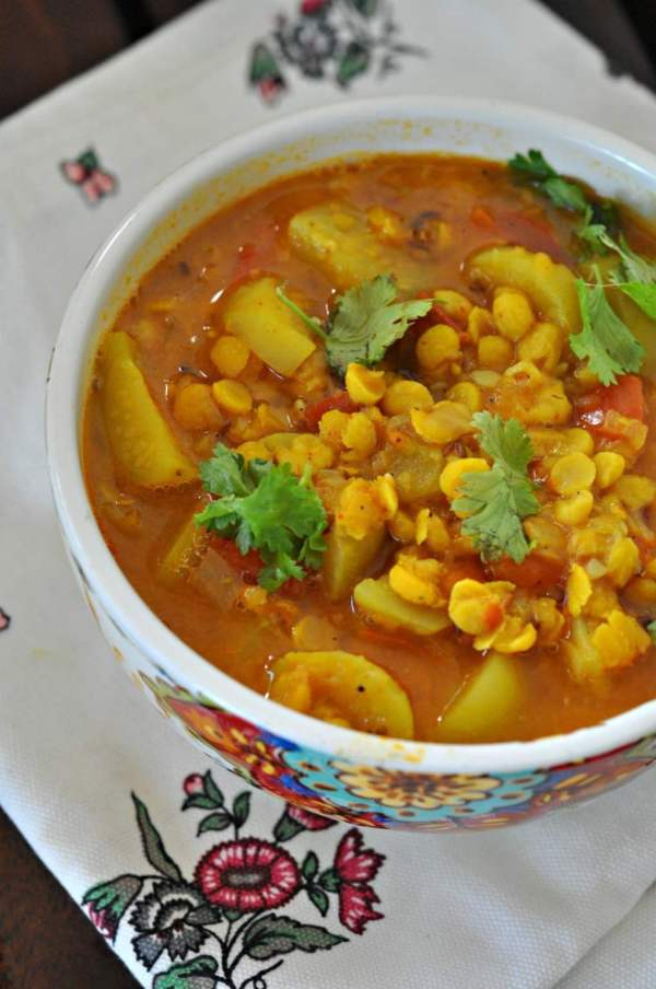 achari-tinda-walli-dal-spiced-lentils-with-apple-gourd.1024x1024