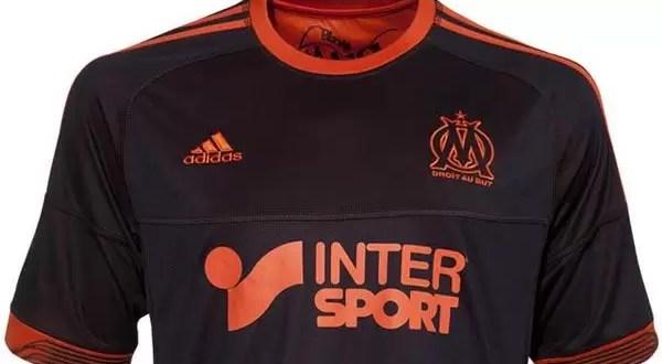 Fotos: Nueva camiseta de fútbol reversible del Marsella