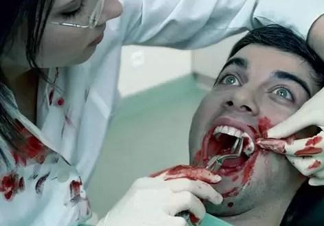 Dentista resentida quita la dentadura a su ex novio porque la dejó