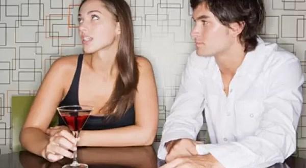 Las conversaciones que más aburren a las mujeres