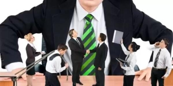 Cómo convivir con una persona egocéntrica en el trabajo