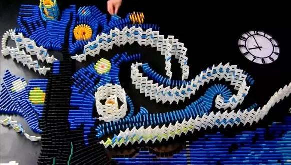 Video: 'Pintan' un Van Goh con fichas de dominó