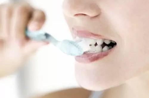 Cuidado bucal: Beneficios del flúor en los adultos