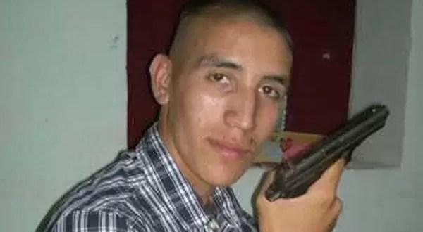 Polémica foto de jugador de Independiente portando un arma