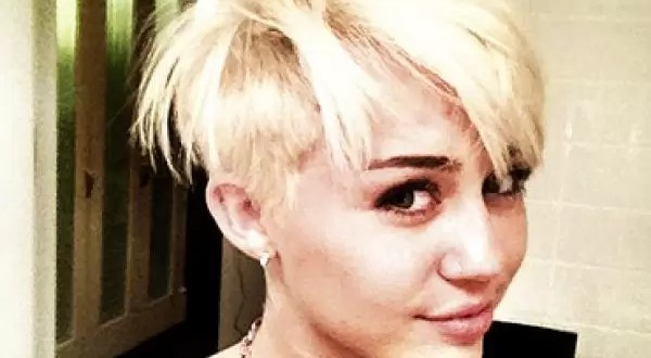 Fotos: Miley Cyrus se rapa la cabeza